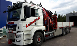 Truck with hydraulic crane + freightbed